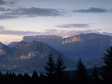 Sunset over Mountains Above Lake Annecy, Lake Annecy, Rhone Alpes, France, Europe 写真プリント : スチュアート・ブラック