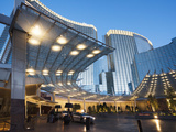 City Center at Dawn, Las Vegas, Nevada, Usa 写真プリント : ウォルター・ビビコウ