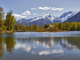 Wenatchee River and Cascade Mountains, Leavenworth, Washington, Usa Fotografie-Druck von Jamie & Judy Wild