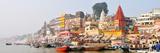 The Ghats Along the Ganges River Banks, Varanasi, India Fotografisk trykk av Mauricio Abreu