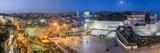 Israel, Jerusalem, Old City, Jewish Quarter of the Western Wall Plaza, with People Praying at the W Fotografisk trykk av Gavin Hellier