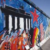 Eastside Gallery (Berlin Wall), Muhlenstrasse, Berlin, Germany Fotografisk trykk av Jon Arnold