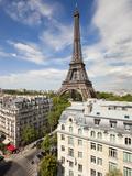 France, Paris, Eiffel Tower, View over Rooftops Lámina fotográfica por Gavin Hellier