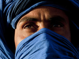 Tuareg Man, Erg Chebbi, Sahara Desert, Morocco Fotografisk tryk af Peter Adams