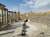 Theatre, Dougga Roman Ruins, Tunisia Stampa fotografica di Gary Cook
