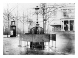 Vespasienne (Public Urinal) on the Grands Boulevards, Paris, C.1900 (B/W Photo) Giclée-Druck von  French Photographer