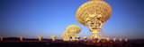 Radio Telescopes in a Field, Very Large Array, National Radio Astronomy Observatory, Magdalena, ... Fotografie-Druck