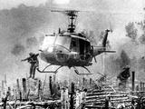 Nightmare Landing Zone Lámina fotográfica por  Associated Press
