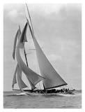 The Schooner Half Moon at Sail, 1910s Poster von Edwin Levick