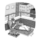 Man in a deck-chair has an 'In' and 'Out' box for his books. - New Yorker Cartoon Reproduction giclée Premium par J.C. Duffy