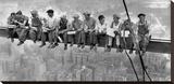 New York Construction Workers Lunching on a Crossbeam, 1932 Bedruckte aufgespannte Leinwand von Charles C. Ebbets