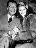 Newlyweds Robert Taylor and Barbara Stanwyck After Their Surprise Elopement, ca. 1939 Foto