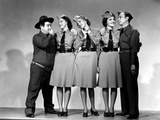 Buck Privates, Lou Costello, Maxine Andrews, Patty Andrews, Laverne Andrews, 1941 Photographie