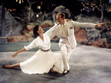 """The Band Wagon, Cyd Charisse, Fred Astaire, 1953, """"Dancing In The Dark"""" Production Number Photo"""