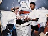 Astronauts Dr Jan Davis and Dr Mae Jemison, Mission Specialists on Space Shuttle Endeavor Mission Foto