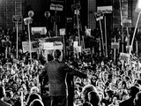 President Richard Nixon Spoke to a Rally of About 15,000 Persons at the Tulsa International Airport Fotografía