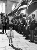 Young John Kennedy Jr, the President's Son, 'Inspects' the Honor Guard Foto