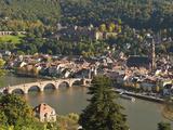 View of Alte Brucke or Old Bridge, Neckar River Heidelberg Castle and Old Town, Heidelberg, Germany Reproduction photographique par Michael DeFreitas