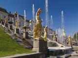 Grand Cascade Fountains, Peterhof, Saint Petersburg, Russia Fotografie-Druck von Walter Bibikow