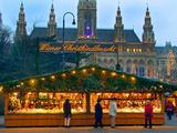 Christmas Market on the Town Hall Square, Vienna, Austria Stampa fotografica di Miva Stock