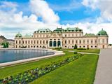 Front Facade of Schloss Schonbrunn Palace, Vienna, Wein, Austria Stampa fotografica di Miva Stock