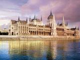 Parliament Building and Danube River, Budapest, Hungary Stampa fotografica di Miva Stock