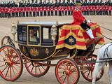 Hm Queen, Trooping Colour 2012, Queen's Birthday Parade, Whitehall, Horse Guards, London, England Impressão fotográfica por Hans Peter Merten