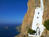 Hozoviotissa Monastery and Aegean Sea, Amorgos, Cyclades, Greek Islands, Greece, Europe Fotografisk tryk af  Tuul