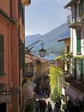 Backstreets of Bellagio, Lake Como, Lombardy, Italian Lakes, Italy, Europe Reproduction photographique par Peter Barritt