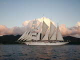 Star Clipper Sailing Cruise Ship, Dominica, West Indies, Caribbean, Central America Fotografisk tryk af Sergio Pitamitz