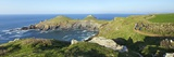 Walking the Coastal Footpath Near the Rumps in Spring Sunshine, Pentire Headland, Cornwall, England Reproduction photographique par Peter Barritt
