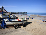 Fishing Boats on the Beach at Cromer, Norfolk, England, United Kingdom, Europe Stampa fotografica di Mark Sunderland