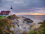 Portland Head Lighthouse at Sunrise, Portland, Maine, New England, USA, North America Lámina fotográfica por Alan Copson