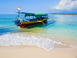 Traditional Indonesian Outrigger Fishing Boat on Island of Gili Meno in Gili Isles, Indonesia Fotografisk trykk av Matthew Williams-Ellis