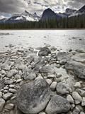 Athabasca River, Jasper National Park, UNESCO World Heritage Site, Alberta, Canada, North America Impressão fotográfica por James Hager