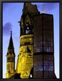 Eglise du Souvenir de l'Empereur Guillaume, Berlin, Allemagne - Kaiser-Wilhelm-Gedächtniskirche Reproduction sur toile encadrée par Walter Bibikow