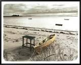 Bateau Sur Plage Framed Canvas Print by Jean Onesti
