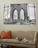 Pedestrian Walkway on the Brooklyn Bridge Affiches par  Bettmann
