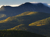 The Adirondack Mountains at Sunrise from Atop Cascade Mountain Fotografisk trykk av Michael Melford