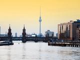 Berlin Oberbaumbrucke with Tv Tower at Sunset Fotografie-Druck von  Synchropics