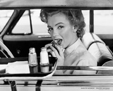 Marilyn Monroe at the Drive-In, 1952 Posters por Philippe Halsman
