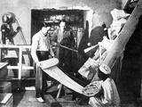 Carter Discoveres the Tomb of Tutankhamen Lámina fotográfica