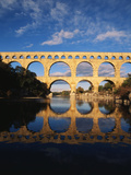 View of Pont Du Gard Bridge, Gardon River, Languedoc, France Reproduction photographique par David Barnes