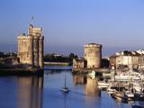 Boats, Vieux Port, Tour Saint-Nicolas, Tour De La Chaine, La Rochelle, France Fotografie-Druck von David Barnes