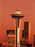 View of Space Needle and Seattle Buildings, Seattle, Washington, USA Reproduction photographique par Stuart Westmorland