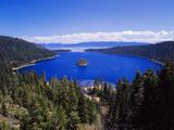 View of Emerald Bay in Lake Tahoe, California, USA Premium fotografisk trykk av Adam Jones