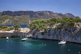 Sailboats, the Calanques, Cassis, Bouches-Du-Rhone, Cote d'Azur, Provence, France Fotografisk trykk av Brian Jannsen