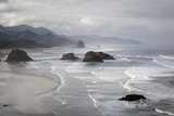 Cannon Beach and Haystack Rock, Crescent Beach, Ecola State Park, Oregon, USA 写真プリント : ジェイミー&ジュディ・ワイルド