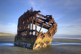 Shipwreck of the Peter Iredale, Fort Stevens State Park, Oregon, USA Fotografie-Druck von Jamie & Judy Wild