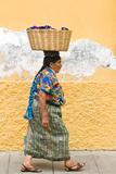 Mayan Woman in Traditional Huipiles (Blouse) and Corte (Skirt), Antigua, Guatemala Reproduction photographique par Michael DeFreitas